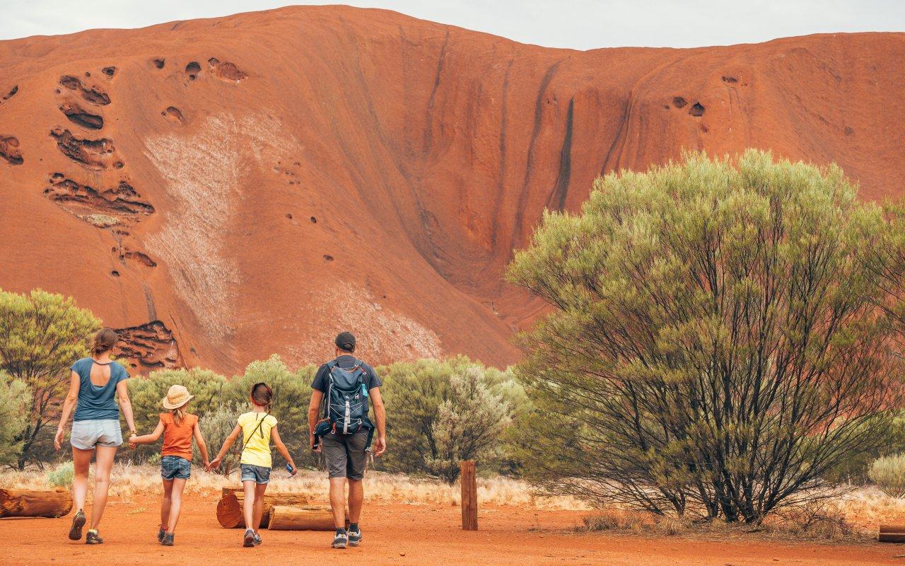 Uluru dans le Centre rouge en Australie