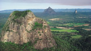glass house mountains - voyage australie terra australia
