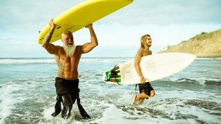 Surfeurs en Australie